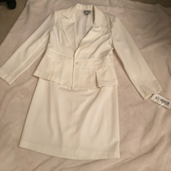KC Spencer Dresses & Skirts - Two piece skirt and blazer suit